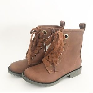 NWT Cat & Jack Lisa Brown Boots Girls Size 3